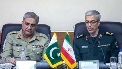 Photo of Army chief seeks Iran's cooperation in dealing with terrorists