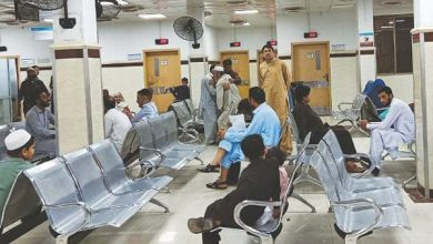 Photo of Covid-19 cases cross 100,000 in Pakisatn as govt stands by its 'smart lockdown'