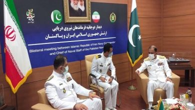 Photo of Iranian, Pak navy commanders hold meeting on bilateral ties