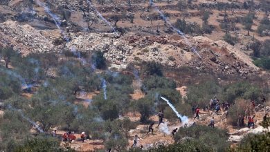 Photo of Israeli forces attack anti-settlement Palestinian protesters in West Bank